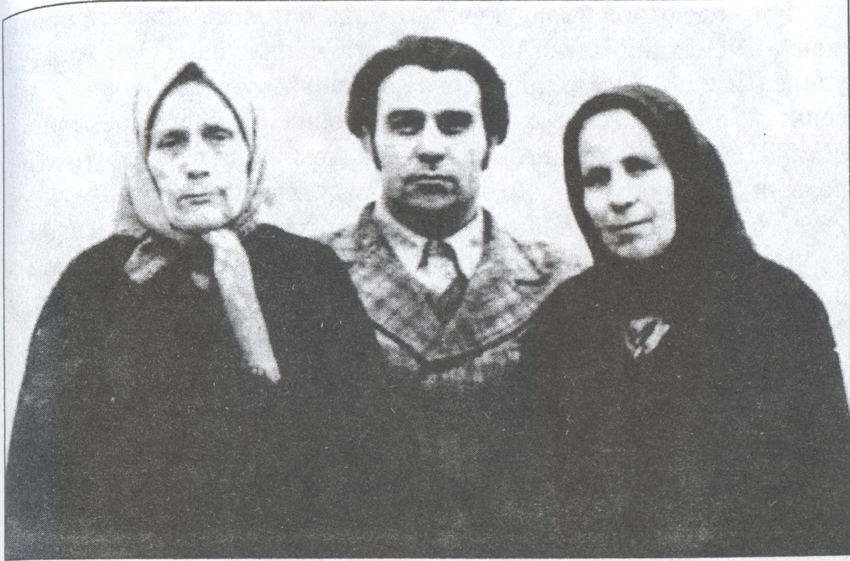 Слева направо: староста Воскресенского храма (1975-1989) Анна Яковлевна Кудло, члены двадцатки Григорий Яковлевич и Евгения Сергеевна