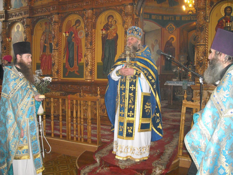 настоятель Александро-Невского кафедрального собора протоиерей Николай Фоменко