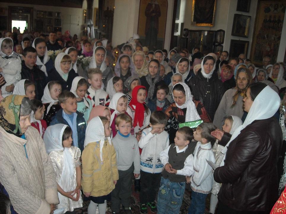Дети пропели величания Воскресшему Христу