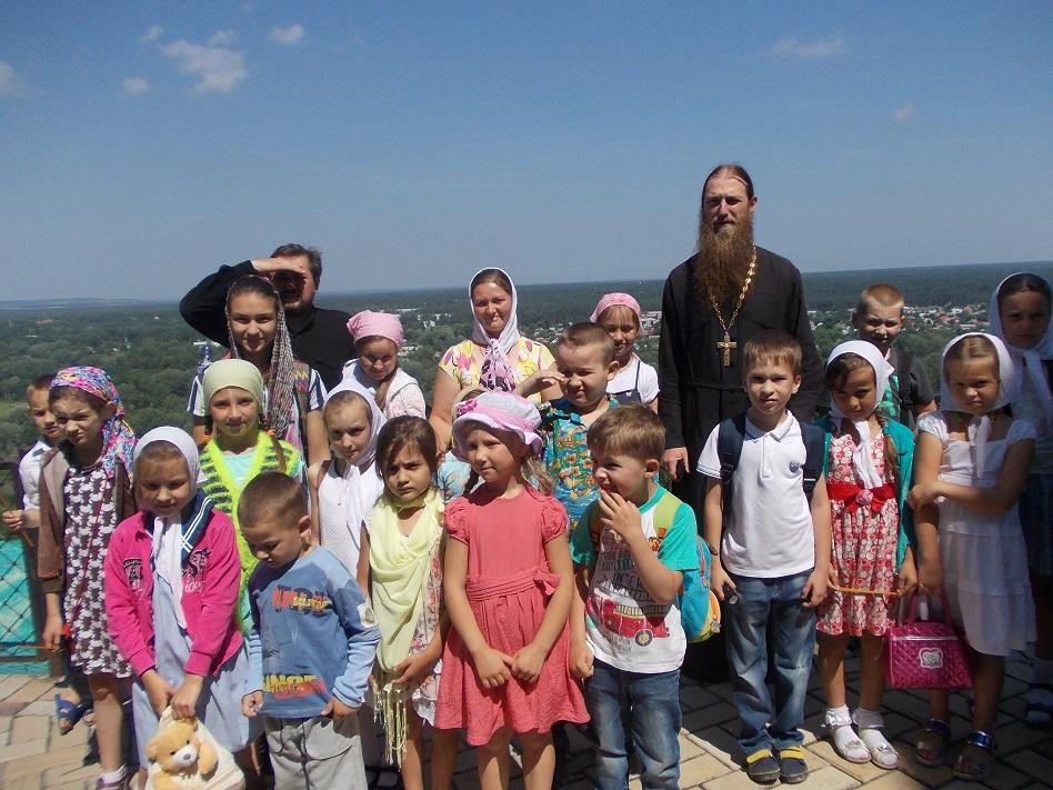 Паломническая поездка детей в Святогорск